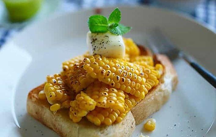 甘さがぎゅっ。とうもろこしトーストで、旬をほおばる幸せあさごはん