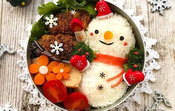 クリスマスに作りたい! かわいくておいしい「クリスマスデコおにぎり」