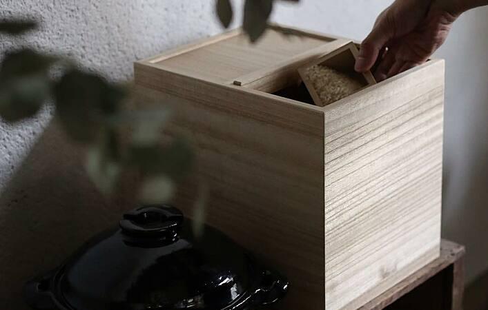 美味しい「ごはん」を食べる第一歩はお米の保管。米びつは何を使っていますか?
