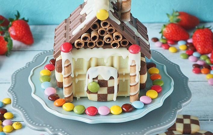 市販のお菓子で楽しむ。クリスマスシーズンには「ヘクセンハウス」を作ろう!