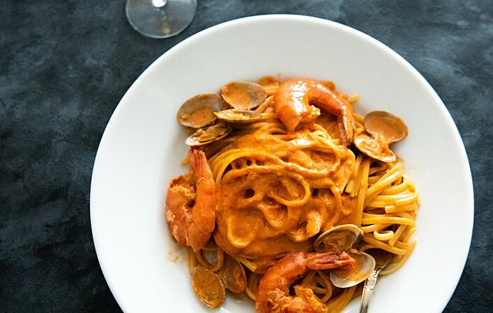 おうちで本格イタリアン!海老とあさりのトマトクリームパスタ