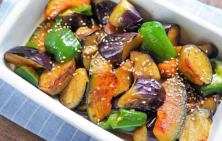 梅雨のジメジメを吹き飛ばす常備菜!何度も作りたくなる「夏野菜の南蛮漬け」