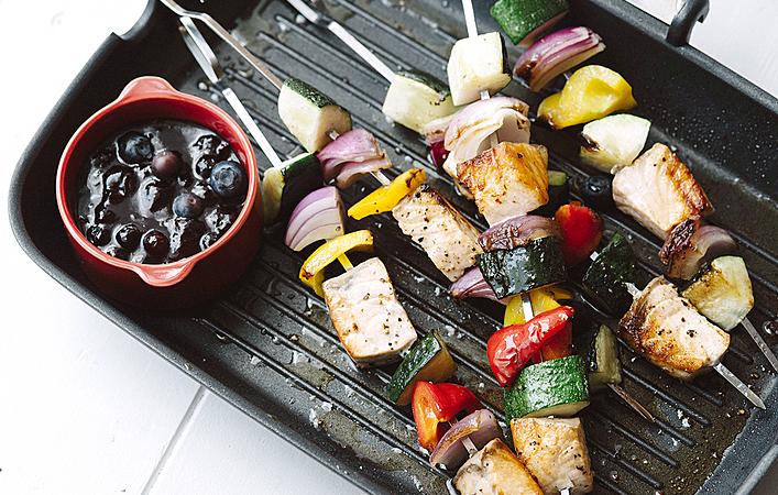 【綾夏のフルーツレシピ】ブルーベリーBBQソースと食べる夏野菜&サーモングリル