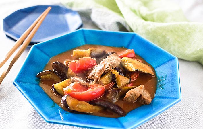 溢れ出すトマトの酸味がクセになる!ヤミツキ注意の「牛肉と夏野菜の中華炒め」