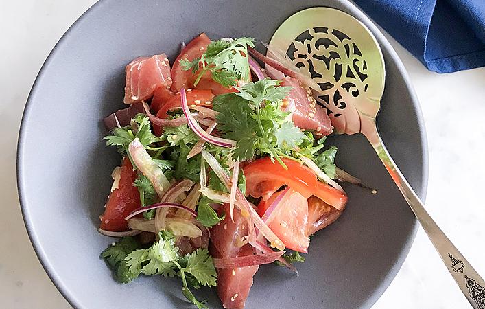 【からだケアレシピ】夏バテ対策に!「トマトとマグロのポキ風サラダ」