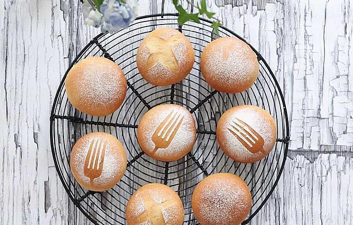 【初心者向け】型がなくても大丈夫!気軽におうちでパンを焼いてみませんか