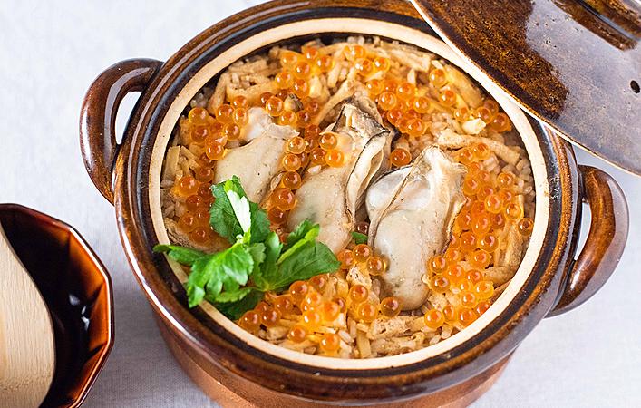 牡蠣の旨みをたっぷり味わう!生姜香る牡蠣といくらの土鍋ごはん
