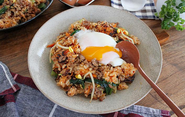 【あゆの簡単スポ飯】一皿で栄養満点!石焼風まぜまぜビビンバ