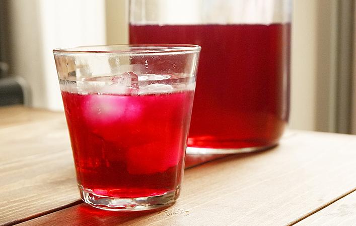 【旬を味わう】暑い季節においしい!爽やかな赤しそジュースを作ろう