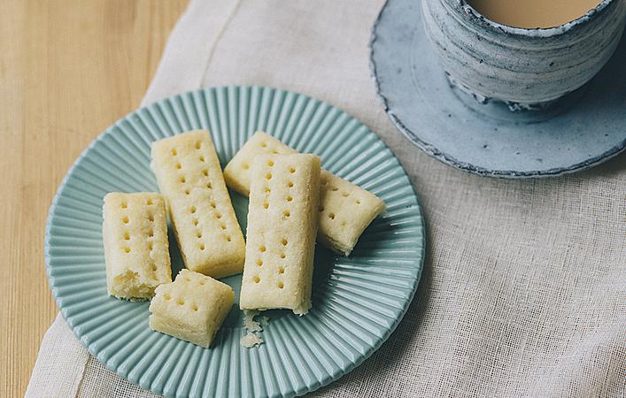 【おうちde英国ごはん】材料4つですぐ作れる!バター香る「ショートブレッド」