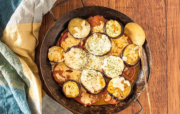 【もてなしオトコメシ】この夏食べたいらくうまレシピ「茄子とトマトのチーズ焼き」