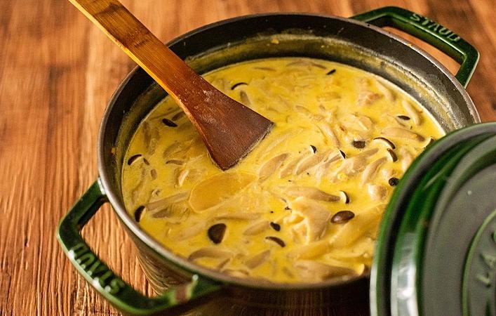 【もてなしオトコメシ】秋の味覚を存分に味わう「パンプキンクリームスープ」
