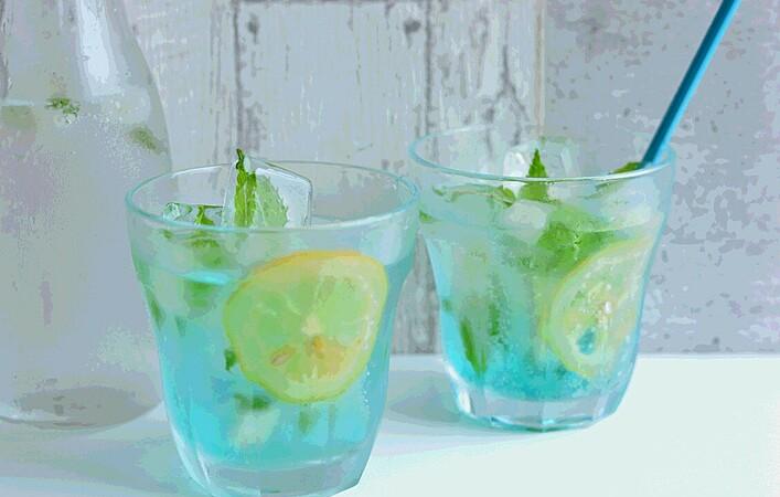 「ミント氷」で夏ドリンクやスープに爽やかさをプラスしよう