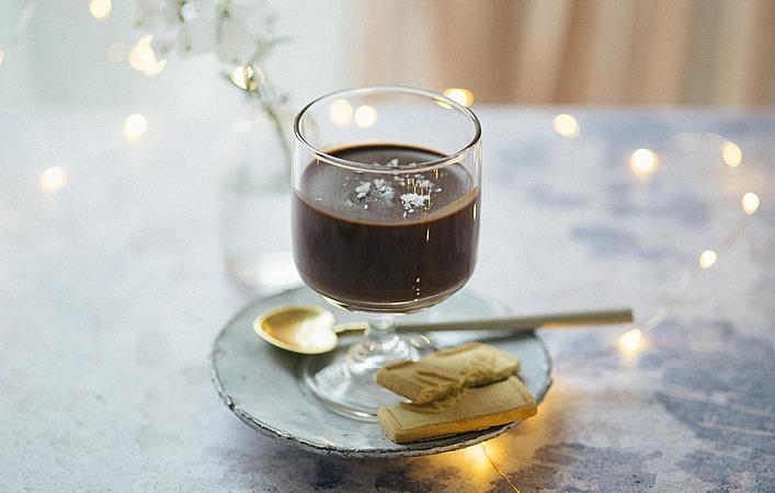 【おうちde英国ごはん】濃厚な大人のデザート「チョコレート ポッツ」
