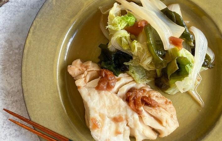 【からだケアレシピ】コロナ太りに!「タラ白菜わかめの梅ごま蒸し」