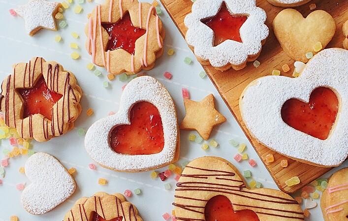 クッキーの基本♪キラキラ輝くジャムサンドクッキーを作ってみよう!