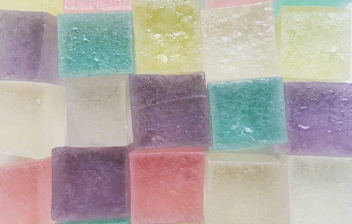 """きらきら輝く、宝石みたいなお菓子""""琥珀糖""""を手作りしてみよう"""