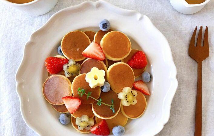 ミニサイズがかわいくて食べやすい!シリアルパンケーキで朝ごはんやおやつを楽しく