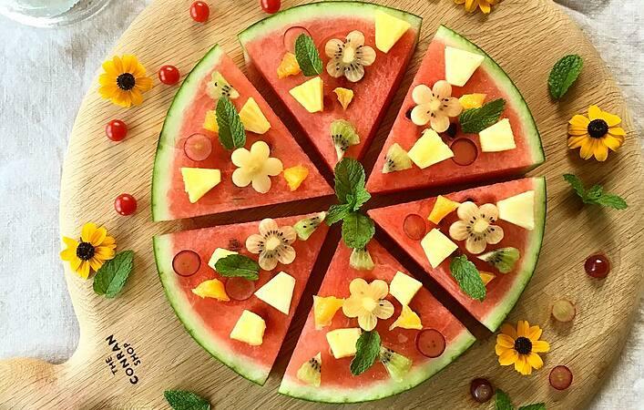 まだ間に合う!夏の終わりにぴったりな簡単「スイカピザ」の楽しみ方