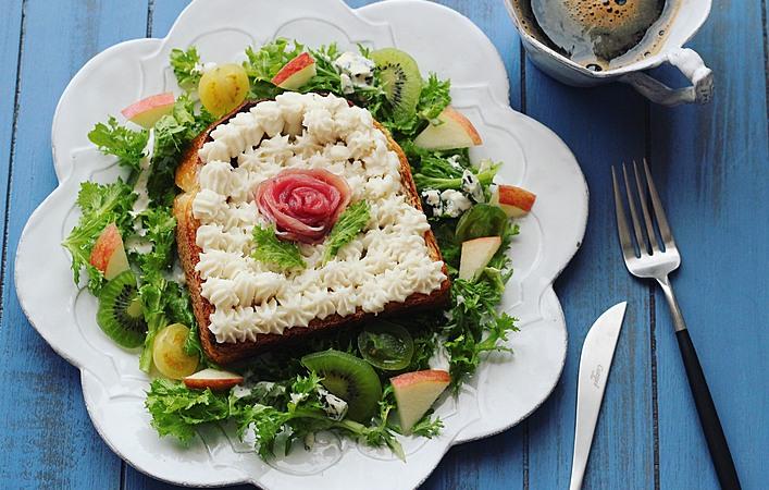 野菜とフルーツたっぷり!「春色オープンサンド」はいかが?