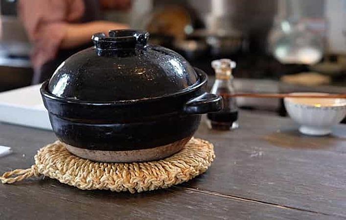 もう炊飯器には戻れない!?人気の土鍋「かまどさん」のある生活始めませんか?